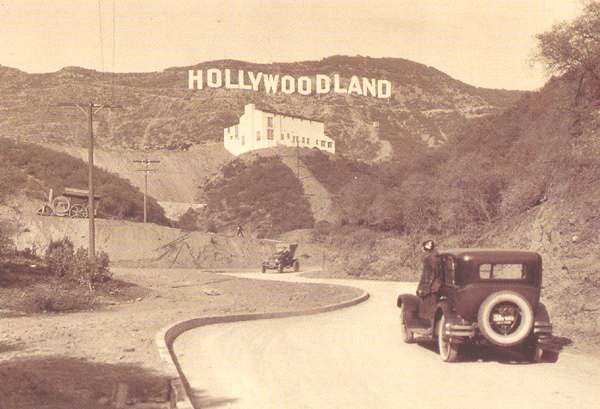 1920s_Los_Angeles_hollywoodland_sign