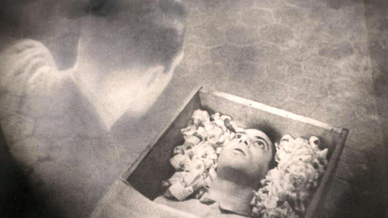 31 NIGHTS OF HALLOWEEN! – ZekeFilm