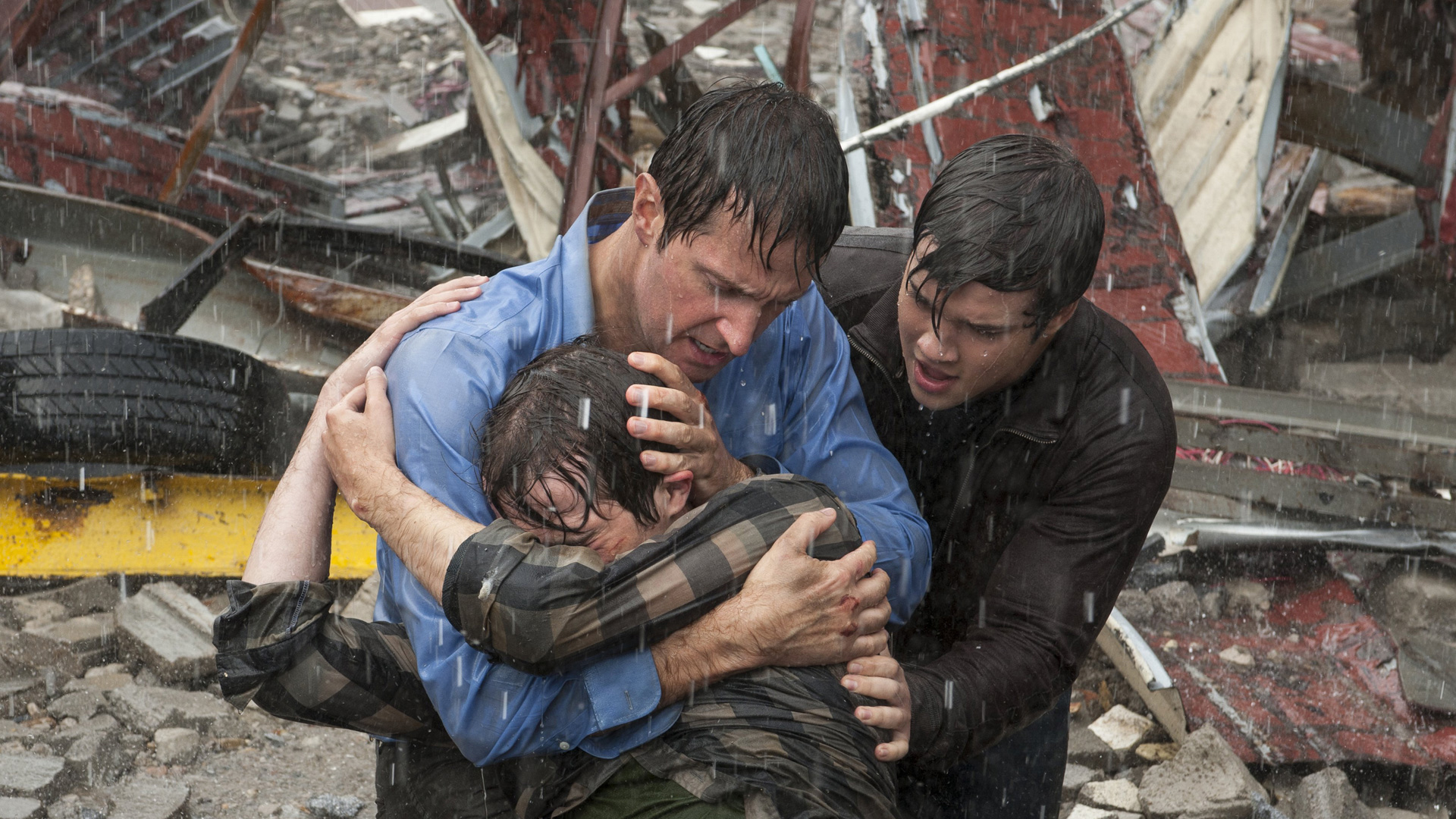 a review of the movie a storm chasers dream Parents need to know that into the storm is an extremely intense natural disaster film about how a group of storm chasers and a high-school assistant principal and his two teenage sons handle a deadly series of tornadoes that hits an oklahoma town the storm sequences are violent and deadly each one leaves more devastation to buildings and people.