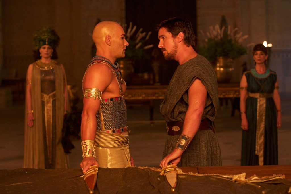 """""""Let my people go.: No? Okay, you ask for it...!"""" Edgerton and Bale in EXODUS: GODS AND KINGS"""