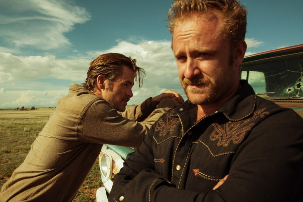 Chris Pine and Ben Forster in HELL OR HIGH WATER.