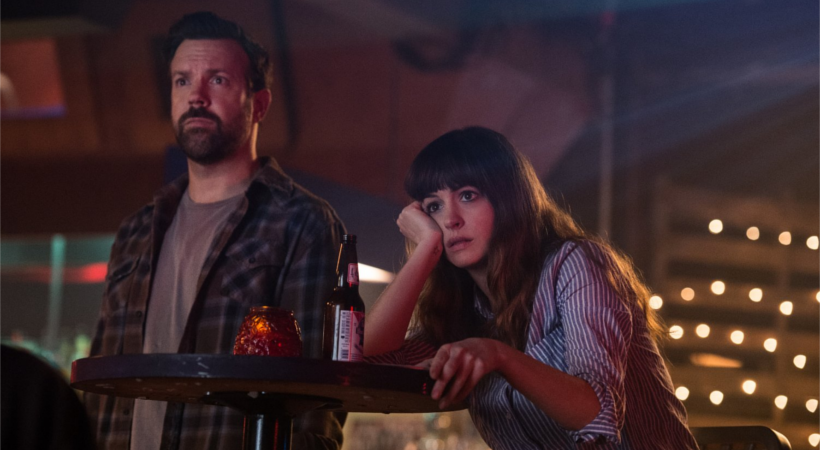 Jason Sudeikis and Anne Hathaway in COLOSSAL (2017)