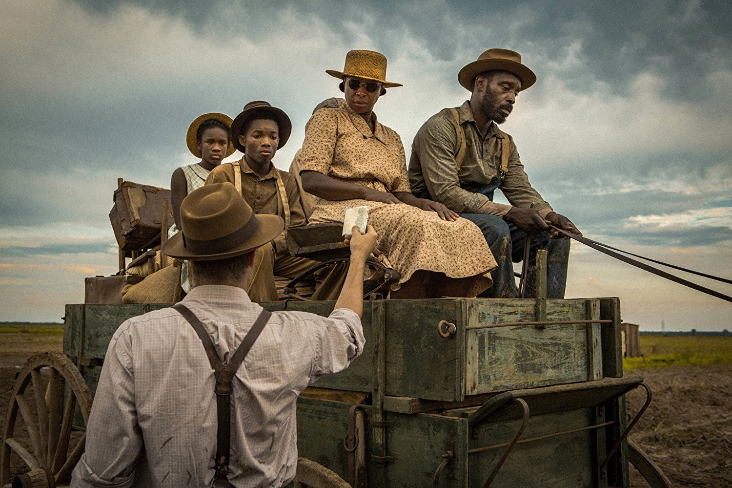 Jason Clarke, Mary J. Blige, and Rob Morgan in MUDBOUND (2017)