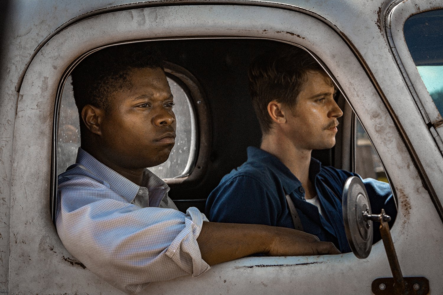 Jason Mitchell and Garrett Hedlund in MUDBOUND (2017)