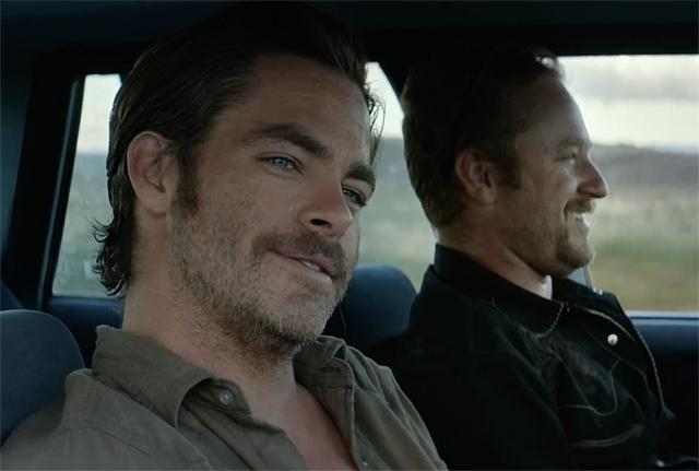 Chris Pine and Ben Foster in Hell or High Water (2016)