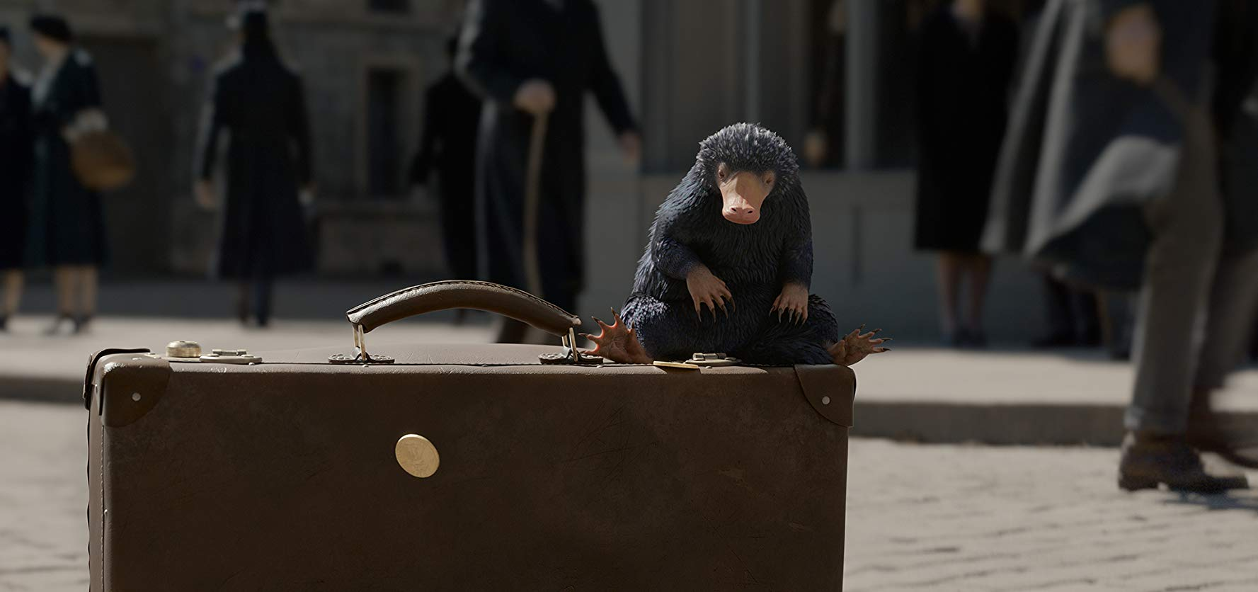 A niffler in FANTASTIC BEASTS: THE CRIMES OF GRINDELWALD (2018)