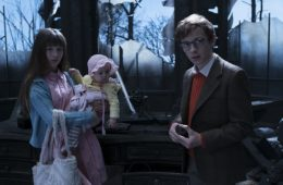 Malina Weissman, Presley Smith, and Louis Hynes as Violet, Sunny, and Klaus in A SERIES OF UNFORTUNATE EVENTS (2016)