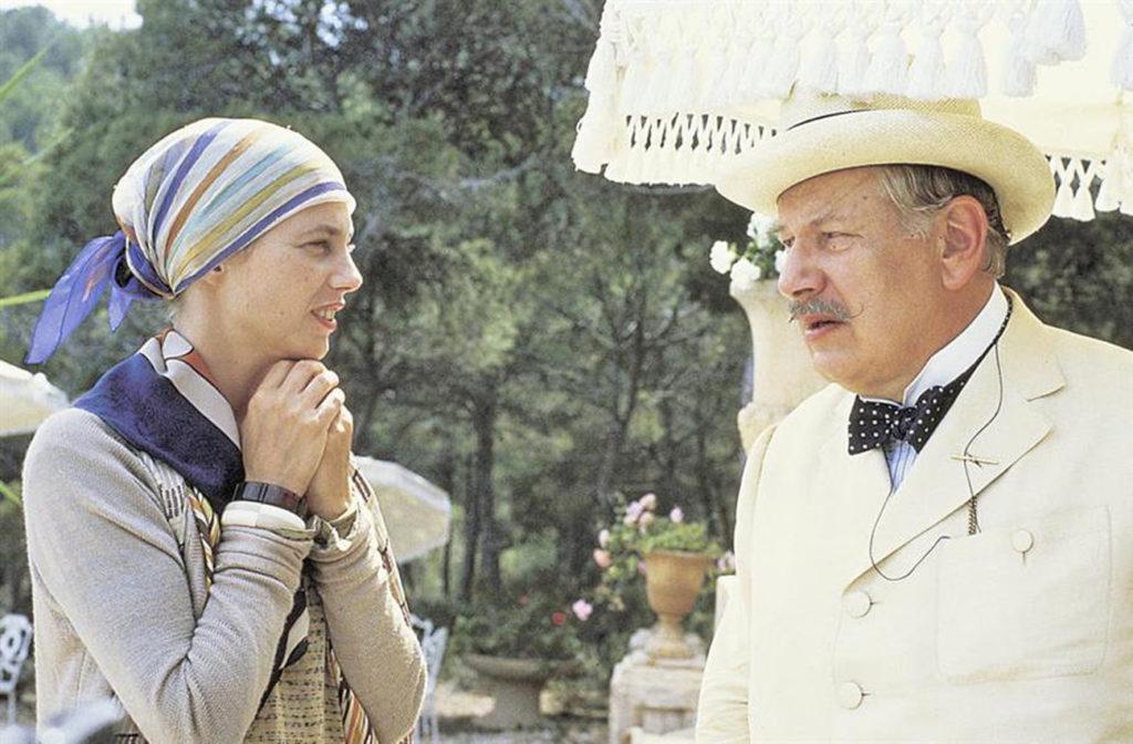 Jane Birkin and Peter Ustinov in EVIL UNDER THE SUN (1982).