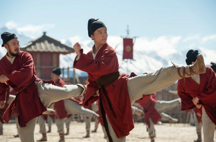 Mulan trains for battle in MULAN (2020)